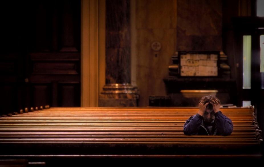 På kirkebenk
