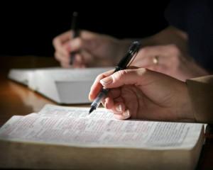 Bibel hand og penn